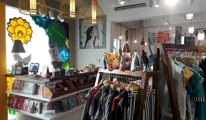 Anda cari udara segar di Jakarta ? 2 madison gallery jl bangka