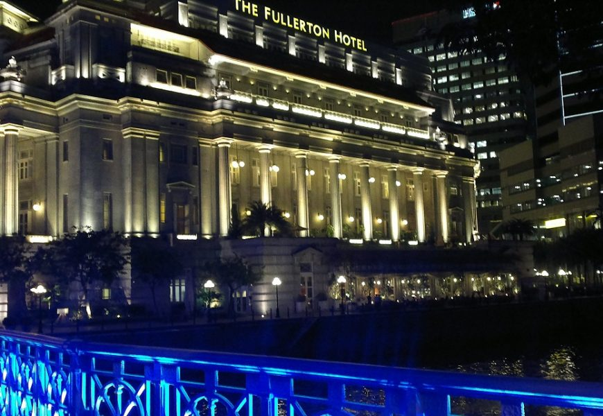 Legendary Fullerton Hotel Singapore guided visit with team part 1