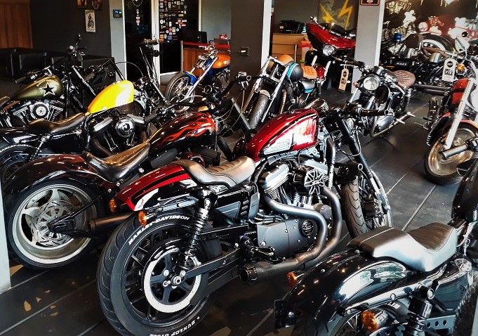 Toko Workshop Customized Superbike di Bangka Jakarta Amazing !