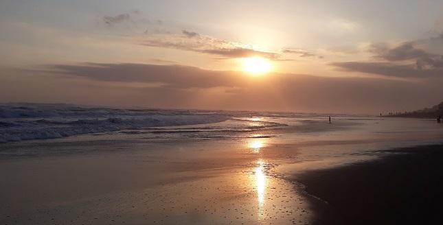 Surprise Garbage Bali Pantai Berawa Canggu