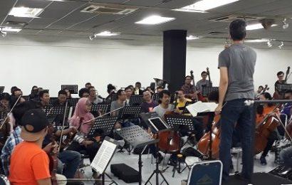 Latihan Jakarta City Philharmonic Orchestra