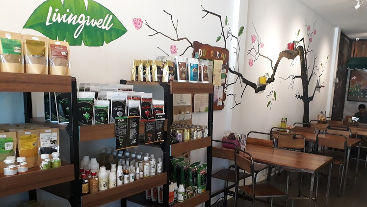 Livingwell Restaurant Organic at Pepito Supermarket on Uluwatu road Bali